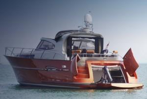 Hull - stern - doors - motoryacht - Infinity 501